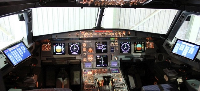 airlines equip their pilots with Surface Pro 3